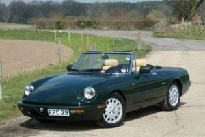 1990 Alfa Romeo Spider 2.0 Series 4 with air conditioning