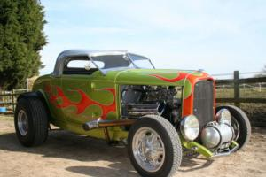 Ford 32 Model B Deuce Hemi V8 Hot Rod Roadster Show Winner