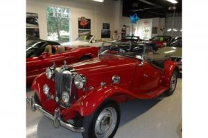 BEAUTIFUL RED 1950 MG TD CONVERTIBLE, ROADSTER!  RIGHT HAND DRIVE