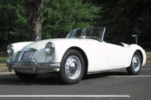1961 MGA Roadster 1600 convertible, restored, white, exceptional restored, 61 Photo