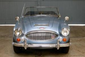Brilliant 1967 Austin Healey 3000 MKIII BJ8