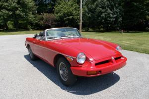 1975 MGB Convertible Photo
