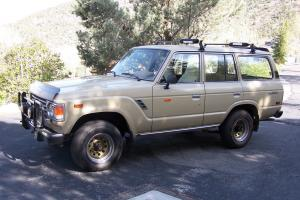 1984 TOYOTA LAND CRUISER FJ-60 LANDCRUISER 4 wheel drive very good condition