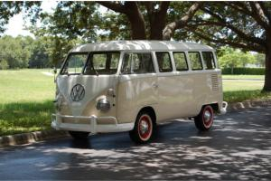 1971 Volkswagen Kombi Bus Vanagon 15 Window RARE Original Split Front Window