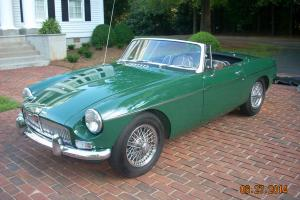 1967 MGB, BRITISH RACING GREEN, OVERDIRVE,CHROME WHEELS