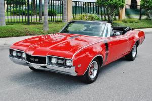 400 v-8 fully restored this one must be seen beautiful