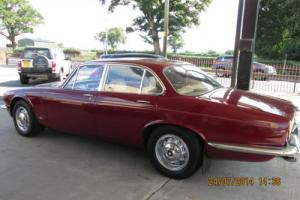 Jaguar 4.2 XJ6 1974 4 door saloon red MOT may 2015 only 59000 miles