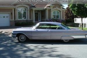 Ford : Galaxie Starliner