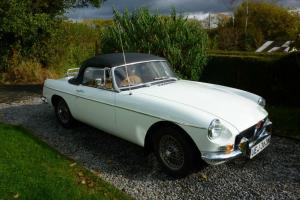 MGB Roadster 1974 (1950cc) with overdrive.