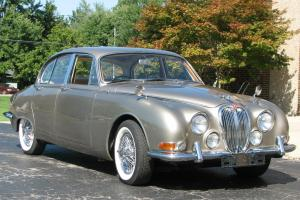 1965 S-TYPE JAGUAR SALOON 4 DOOR CLASSIC WITH RIGHT HAND DRIVE  LOOKS LIKE NEW Photo