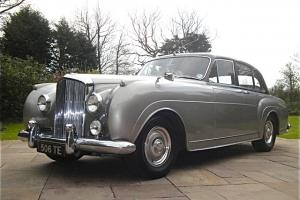1957 BENTLEY S1 H J Mulliner 1 of 12 pre  Photo