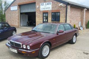 1998S Jaguar XJ8 AUTO MET RED CREAM LEATHER 43000 MILES ONLY