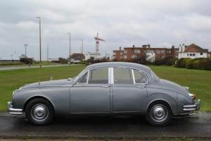 1967 Daimler V8 250 Saloon  Photo