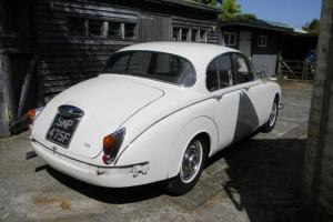 1968 Jaguar Mk. II Saloon (3.4 litre)  Photo