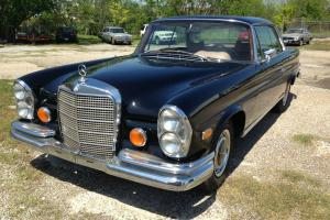 1969 Mercedes-Benz 200-Series Coupe