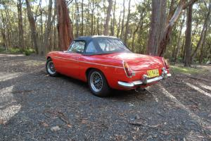 MG MGB Sports CAR Tarten RED With Overdrive Fantastic Little CAR