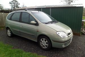 Renault Scenic Privilege 2001 4D Wagon 5 SP Manual 2L Multi Point F INJ in Penguin, TAS