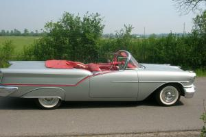 Oldsmobile : Eighty-Eight Convertible