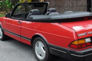 Saab 900i Convertible in Livingstone, NT