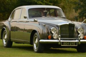 1960 Bentley Flying Spur by H.J. Mulliner. Photo