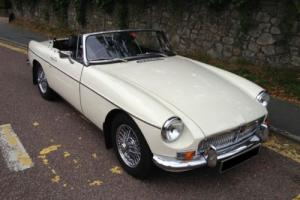 1972 L MG B MGB 1.8 Twin SU Carbs Roadster Sports Convertible Manual/Overdrive Photo