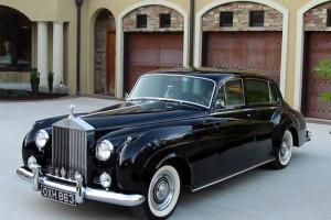 Silver Cloud Rolls Royce Not Bentley