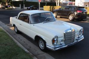 Mercedes-Benz : 200-Series 2dr coupe