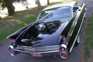 Cadillac : DeVille 2 door coupe