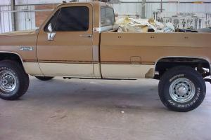 COLLECTOR OR RESTORATION QUALITY 1 TON 4X4