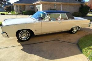 Chrysler : Imperial Crown Coupe