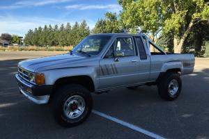 SR5 EXTRA CAB PICKUP LOW MILES TACOMA 4WD