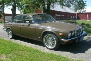 Jaguar : XJ 4 door Photo