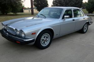Jaguar : XJ6 Series III Photo