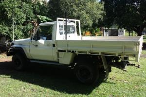 Toyota Landcruiser 4x4 1987 UTE 5 SP Manual 4x4 4L Diesel Seats in Victoria Point, QLD
