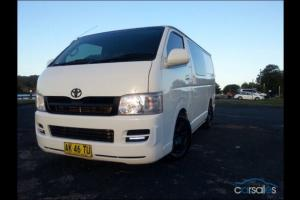 Toyota Hiace LWB 2006 4D VAN 5 SP Manual 2 7L Multi Point F INJ 3 Seats