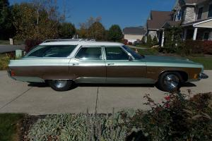 Oldsmobile : Custom Cruiser Woody