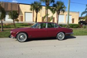Jaguar : XJ6 Base Photo