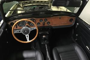 Triumph : TR-6 TR 6 Photo