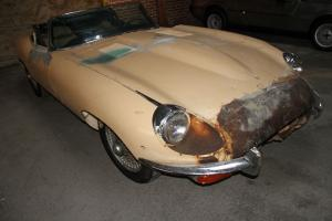 Jaguar : E-Type Yellow Photo