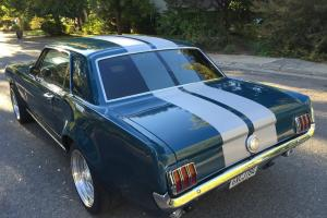 Ford : Mustang Resto Mod