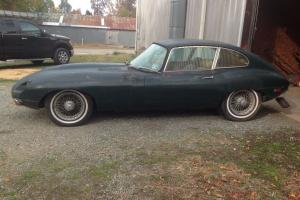 Jaguar : E-Type British Racing Green/Biscuit Photo