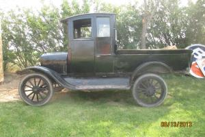 Ford : Model T Wilson Brothers (Calgary) coach