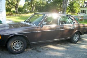 Mercedes-Benz : 300-Series 1982