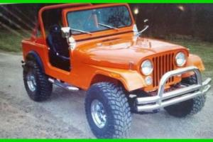 Jeep : CJ Professionally Restored Classic 4x4 2 Door SUV