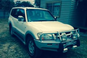 Mitsubishi Pajero Exceed LWB 4x4 2005 4D Wagon 5 SP Auto Sports MOD 3 8L Photo