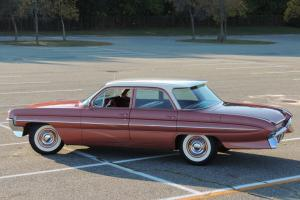 Oldsmobile : Eighty-Eight 4dr Celebrity Sedan