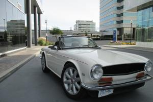 Triumph : TR-6 tan Photo