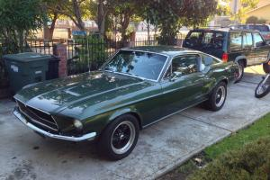 Ford : Mustang Base Fastback 2-Door