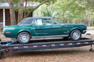 Ford : Mustang Deluxe Interior
