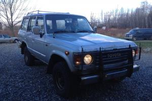 Toyota : Land Cruiser DIESEL 5 SPEED